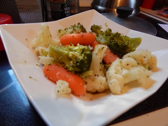 Note to self: simple mixed veggies really do fill a void when you are trying to eat lower calorie!